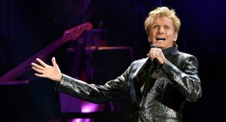 Barry Manilow speaks candidly about his sexuality for the first time