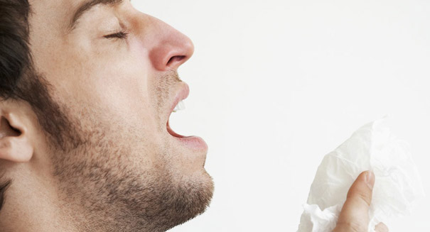 Holding back a sneeze can lead to a ruptured throat, study reports