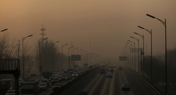 Reductions in smog-forming emissions have slowed, study says