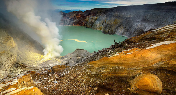 Scientists identify key ingredients in Earth's creation