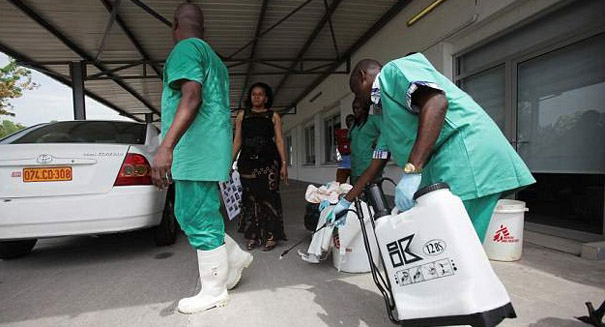 Taxi driver side in the Congo fear an Ebola outbreak