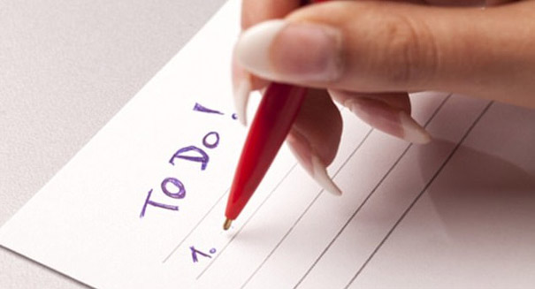 Writing to-do lists can lead to a better night's sleep, study reports