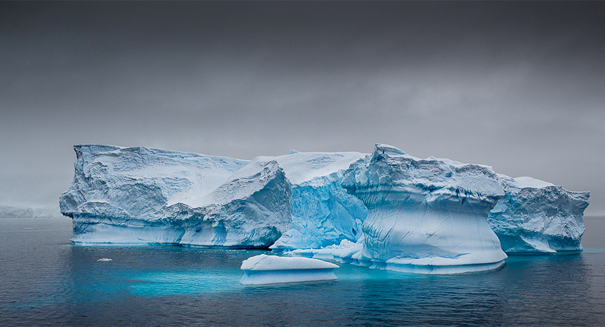 Antarctic crack grows by 17 kilometers