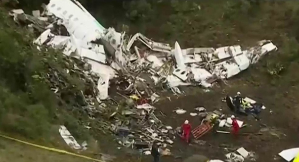 Chapecoense soccer team crashes on way to title game