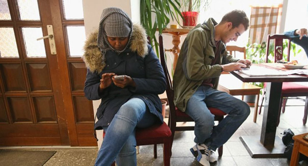 Smartphone addiction could change brain chemistry, study reports
